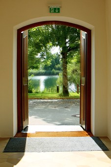 Four Reasons Why You Should Install Internal Doors In Your House